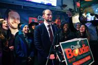 Chesa Boudin le soir de son élection comme procureur de la ville, dans le quartier de South Market à San Francisco.