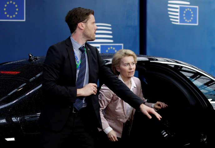 La nouvelle présidente de la Commission européenne, Ursula von der Leyen arrive au sommet européen de Bruxelles, le 18 octobre.