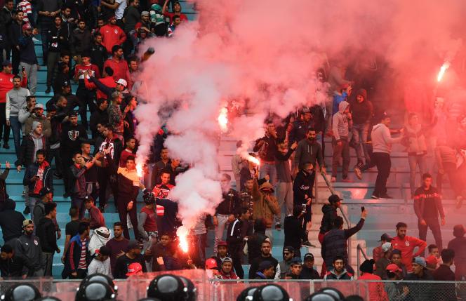 Des supporteurs du Club africain lors d'une rencontre face à l'Espérance sportive, à Tunis, le 18 février 2018.