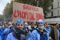 Lors de la manifestations des personnels hospitaliers dans les rues de Paris, le 14 novembre.