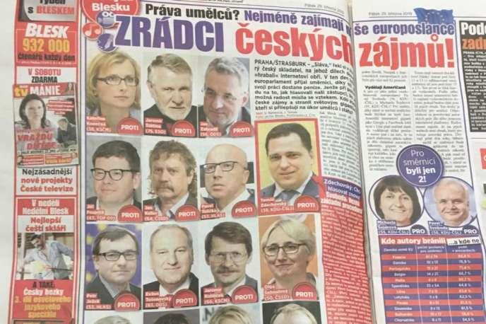«Traîtres aux intérêts tchèques». Le 29 mars, le tabloïd Blesk s'en prend aux eurodéputés qui ont voté contre la directive droits d'auteurs.