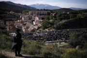 Une mobilisation pour réclamer l'indépendance de la Catalognesur une autoroute à La Jonquera (Espagne), le 11 novembre.