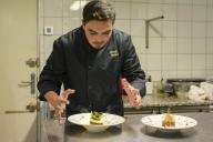 Djamel Bouhadda, chef du Médaillon, restaurant gastronomique halal à Villejuif, dans le Val-de-Marne.