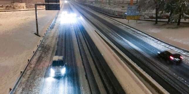 https://www.lemonde.fr/planete/article/2019/11/14/neige-dans-le-sud-est-un-mort-et-140-000-foyers-sans-electricite_6019202_3244.html