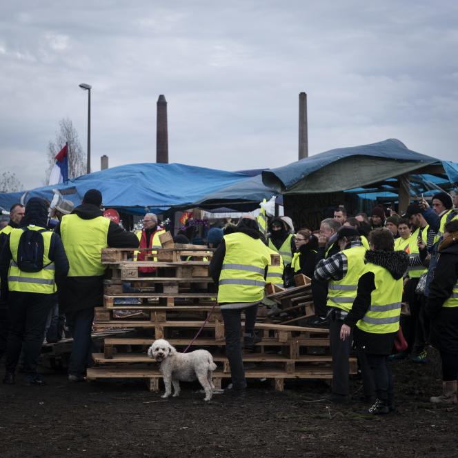 Depuis le 17 novembre 2018, Jean-Pierre Sageot a couvert le mouvement depuis le rond-point des Vaches à Saint-Etienne du Rouvray (Seine-Maritime).
