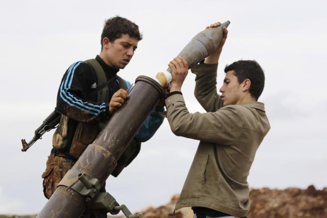 Des combattants du front Al-Nosra, à Alep, en 2015.