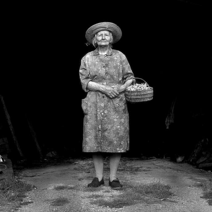 De la série « Tante Juliette», Valanjou (Maine-et-Loire), 1987.