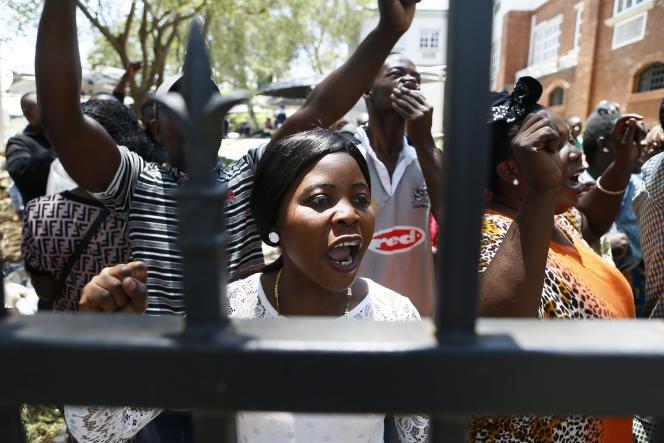 Le 14 novembre 2019, devant le siège du Haut-Commissariat des Nations unies pour les réfugiés (HCR) de Pretoria que des demandeurs d'asile occupent pour protester contre les délais extrêmement longs de traitement de leur dossier.