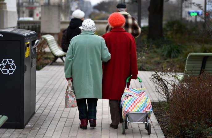 Les retraites de base sontrevalorisées au 1er janvier de 0,3 % ou de 1 %, selon les cas.
