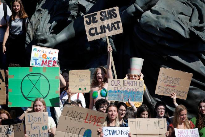 Manifestation d'étudiants pour le climat, à Paris, le 20 septembre.
