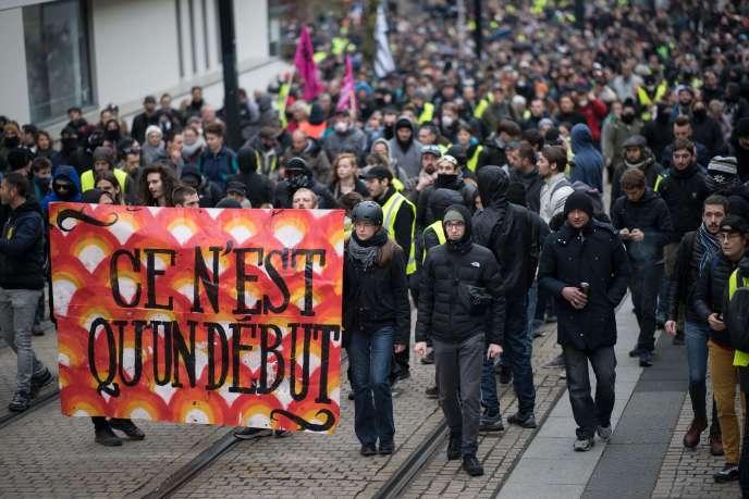 Manifestation marquant le premier anniversaire du mouvement des«gilets jaunes» à Nantes, le 16novembre2019.