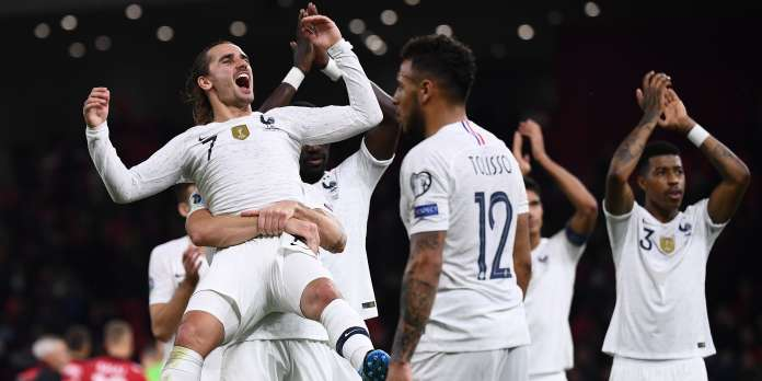 Football : les Bleus battent l'Albanie (2-0) et terminent premiers de leur groupe de qualification