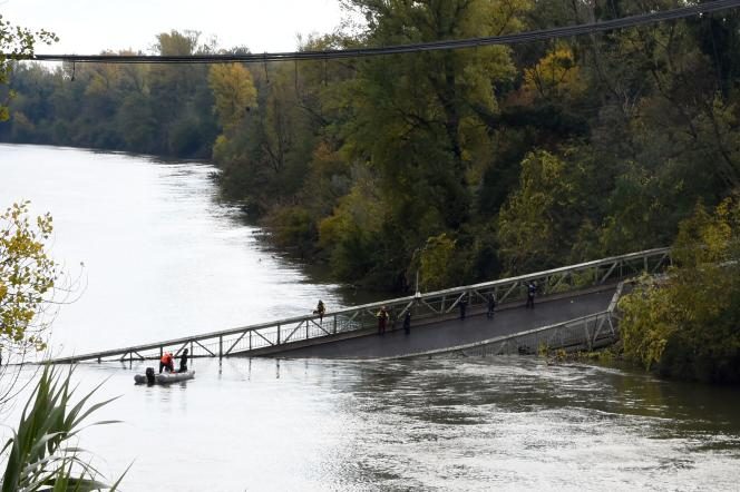 Le pont, construit en 1931, mesure 155m de long et 6,50 m de large.