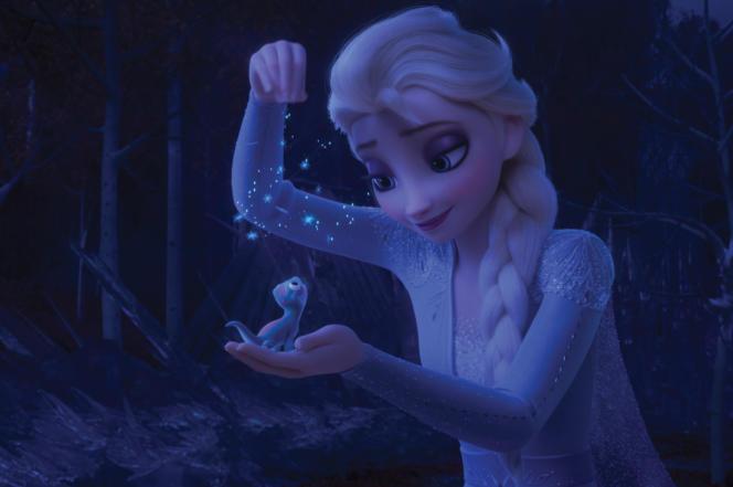 Elsa et Bruni, la salamandre qui figure parmi les nouveaux personnages secondaires.