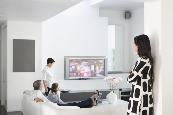 « Sous l'effet de l'omniprésence numérique, la famille subit une nouvelle économie des attentions, dont les plus jeunes sont fréquemment victimes.»