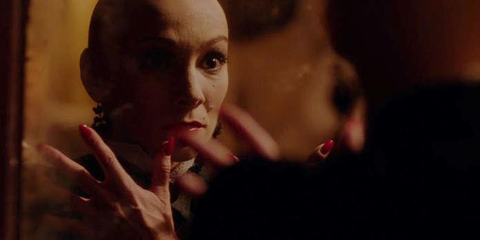 Dans « In Fabric », des héros pathétiques doivent en découdre avec une maléfique robe rouge