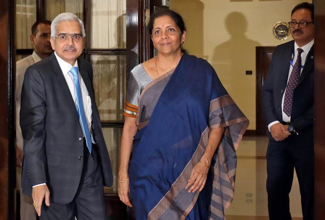 La ministre des finances indienne Nirmala Sitharamanet le gouverneur de la Banque centrale, Shaktikanta Das,à New Dehli en juillet 2019.