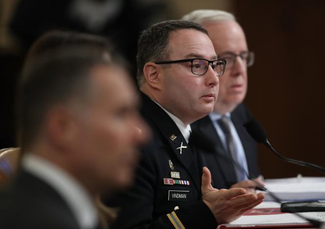Le lieutenant-colonel Alexander Vindman, lors de son audition au Congrès, le 19 novembre.