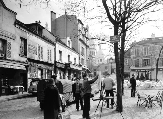 Place du Tertre, àParis, dans les années1950.