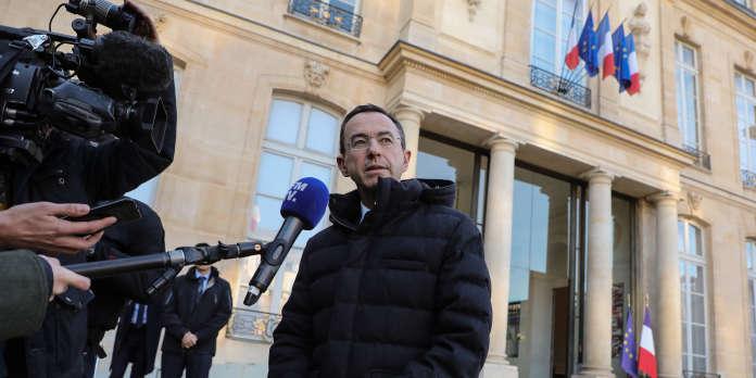 Emmanuel Macron opposé à l'interdiction des « listes communautaristes » aux municipales
