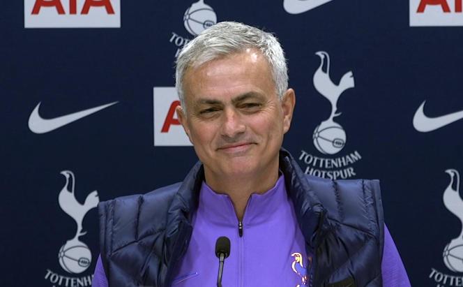 Lors de la conférence de presse d'intronisation de José Mourinho, jeudi 21novembre.