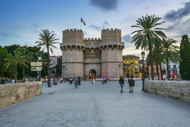 Les Tours de Serranos, construites au XIVe siècle, étaient la porte d'entrée et le point défensif de la ville.
