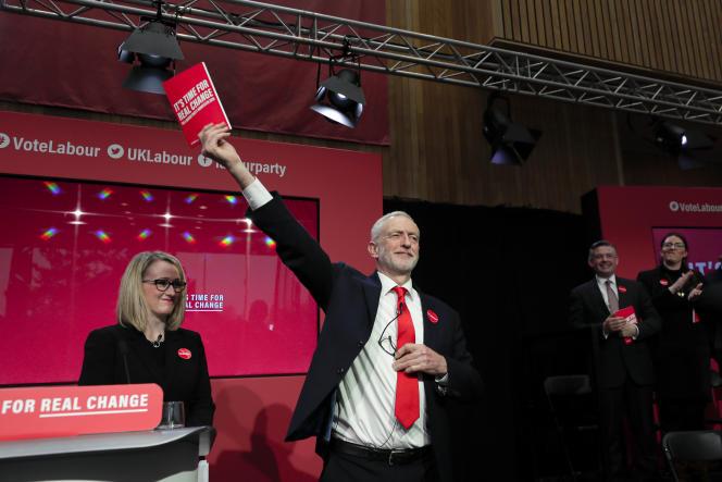 Le chef de file du Parti travailliste britannique, Jeremy Corbyn, à Birmingham (Angleterre), le 21 novembre.