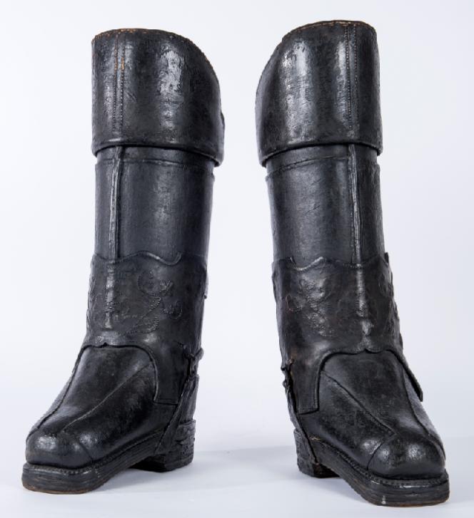 Paire de bottes de postillon du XVIIIe siècle.