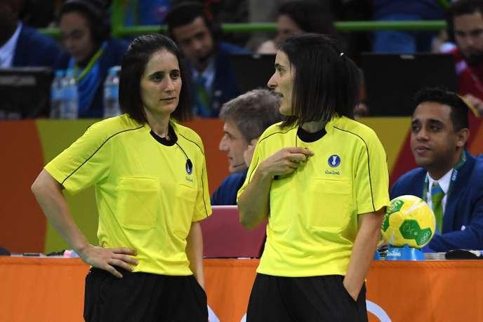 Les soeurs Julie et Charlotte Bonaventura aux Jeux olympiques de Rio, le 12 août 2016.