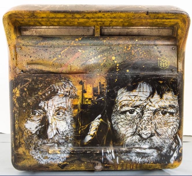 Boîte aux lettres, pochoir et acrylique de C215, 2011.