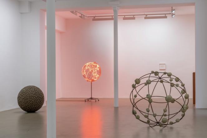Vue de l'exposition de Mona Hatoum à la galerie Chantal Crousel, à Paris, jusqu'au 21 décembre.