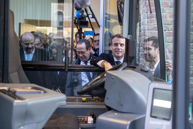 Emmanuel Macron en visite à l'université Jules-Verne à Amiens (Picardie), le 21 novembre.