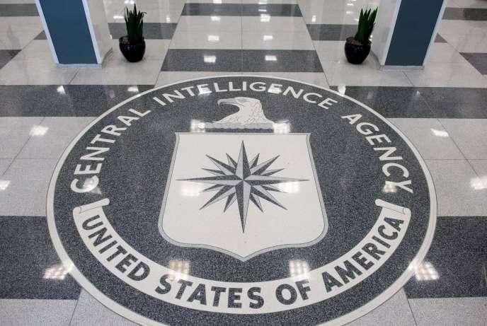 Kevin Mallory, ancien membre de la CIA, et un ancien agent du renseignement, Ron Rockwell Hansen, avaient respectivement écopé de vingt et dix ans de prison.
