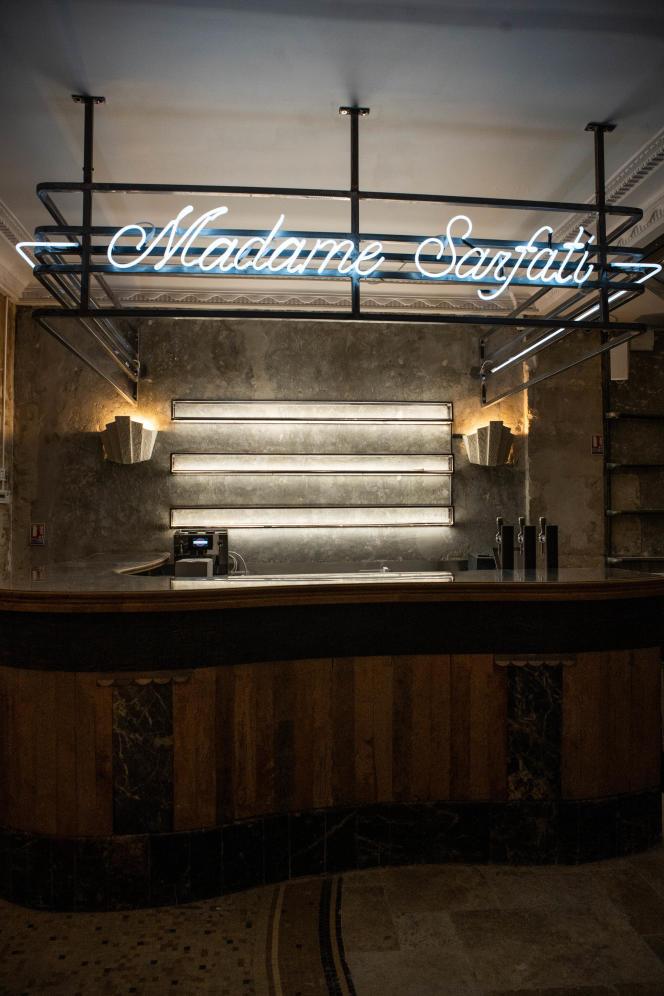 Le bar au «Madame Sarfati comedy club» à Paris.