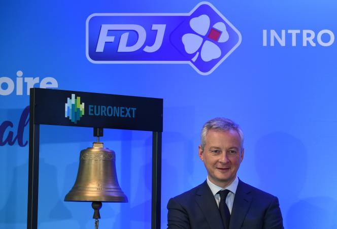 Bruno Le Maire, ministre de l'économie, lors de la première cotationde la FDJ, jeudi 21 novembre, à la Bourse de Paris.