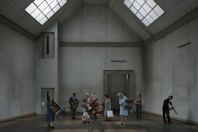 Une représentation de «Sentiments connus, visages mêlés», de Christoph Marthaler, à la Volksbühne de Berlin, en septembre 2016.