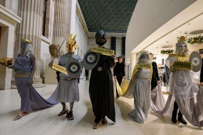 Une performance surprise du groupe d'activistes BP or Not BP, le 20 novembre au British Museum, à Londres.
