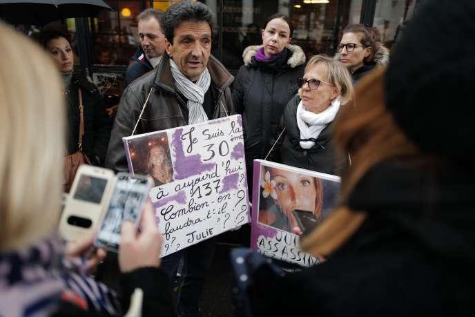 Lucien Douib, père de Julie Douib, tuée en Corse le 3 mars 2019, était présent à la manifestation parisienne.