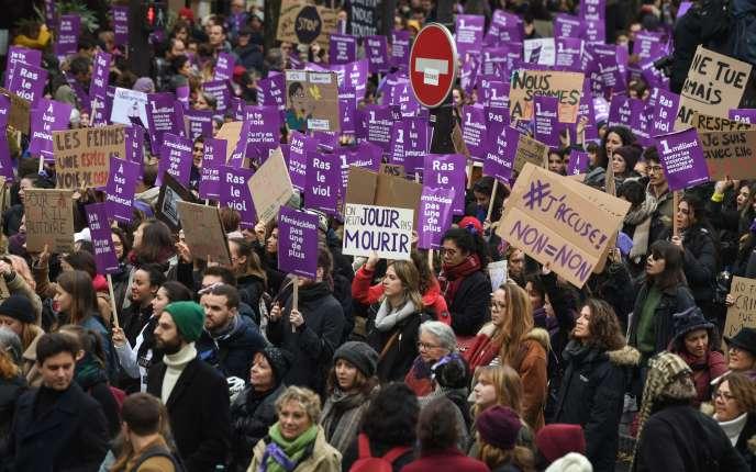 Manifestation à Paris contre les violences sexistes et sexuelles faites aux femmes, le 23 novembre.