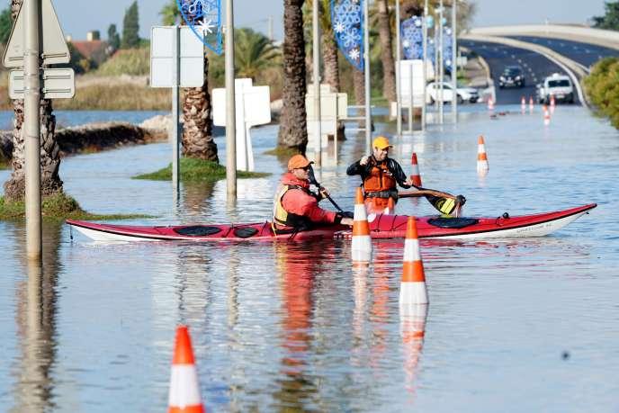 Une route inondée à Palavas-les-Flots, samedi 23 novembre.