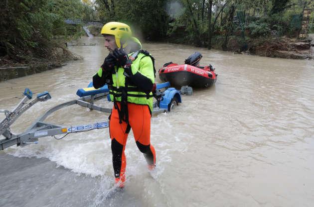 Service de secours au Muy, dans le Var, dimanche 24 novembre.