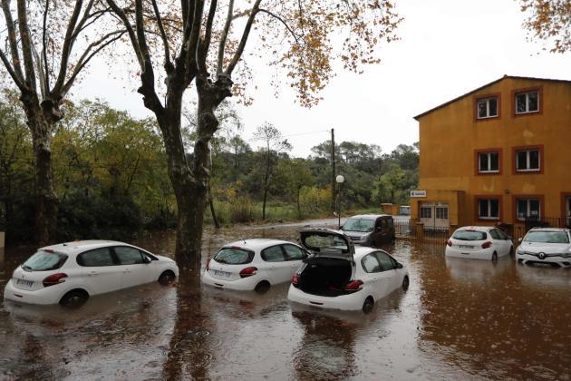 A Roquebrune-sur-Argens, le fleuve Argens est monté à plus de 7 mètres dans la nuit, dépassant son niveau de 2011.