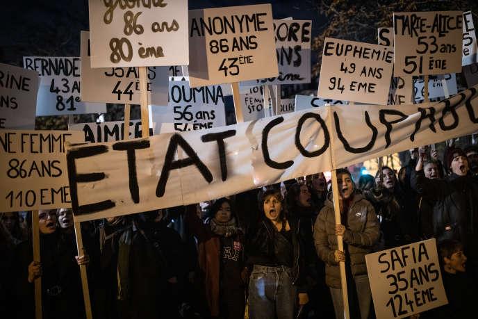 A l'appel du collectif #Noustoutes, des milliers de personnes ont manifesté à Paris contre les violences faites aux femmes à Paris, le 23 novembre.
