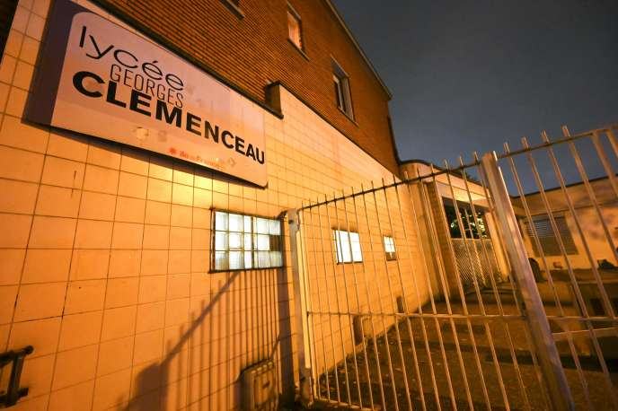 Le lycée Georges-Clemenceau, à Villemonble, où une élève a tenté de s'immoler par le feu le 25novembre.