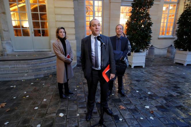 Laurent Berger, secrétaire général de la CFDT, sortant d'un entretien avec le premier ministre, Edouard Philippe, à Matignon, le 25 novembre.