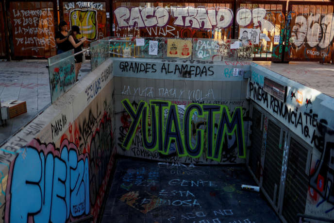 Des fonds seront dégagés pour permettre la reconstruction du métro de Santiago, très endommagé depuis le début de la crise.