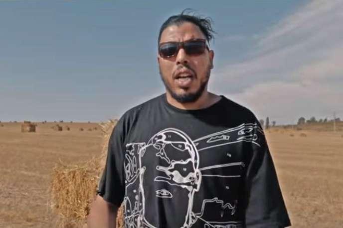 Le rappeur marocain Gnawi dans un de ses clips.