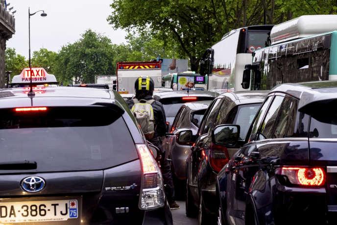 « Il permettrait de dégager des ressources supplémentaires, de l'ordre de 200 millions d'euros par an pour Paris, indiscutablement nécessaires au financement de la transition écologique dans les transports. » (Embouteillages à Paris.)