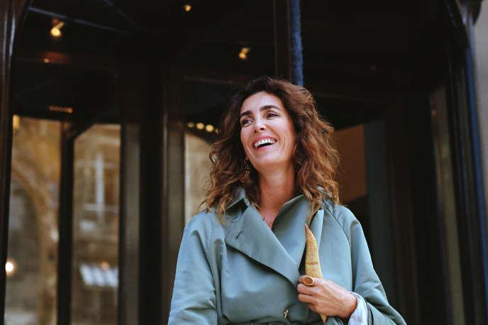 Mademoiselle Agnès, présentatrice de l'émission «La Nouvelle Mode».