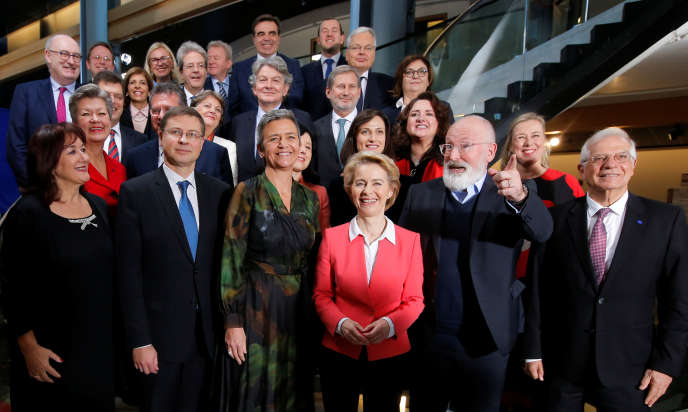 La nouvelle commission européenne a été immortalisée, mercredi 27 novembre.